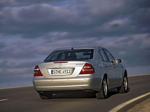 舒适性和操控性的雅客 试驾奔驰E280