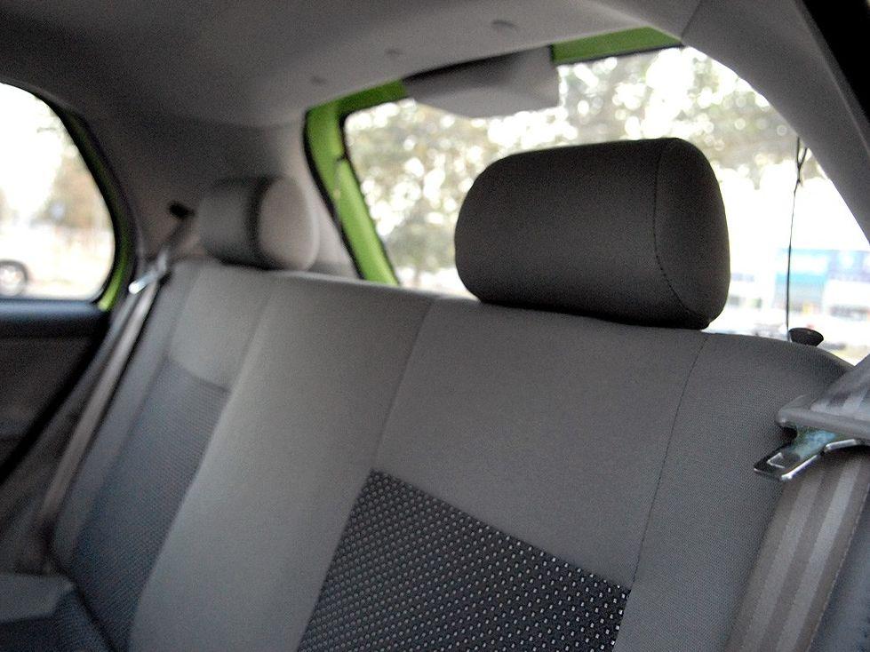 天津一汽 威志两厢 1.3 手动豪华型车厢座椅1288047高清图片