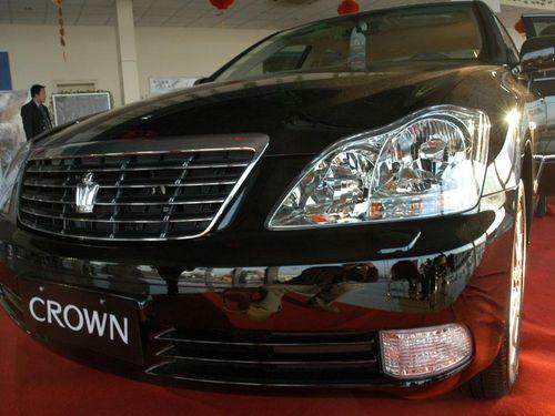 丰田CROWN皇冠重换新颜 彰显知性之美