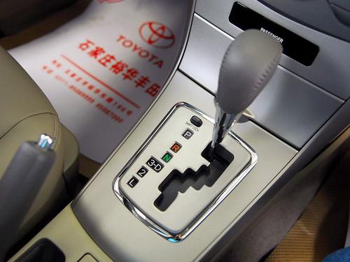 相比而言,卡罗拉的自动挡变速箱就根本不值得一体了,虽然平顺性也