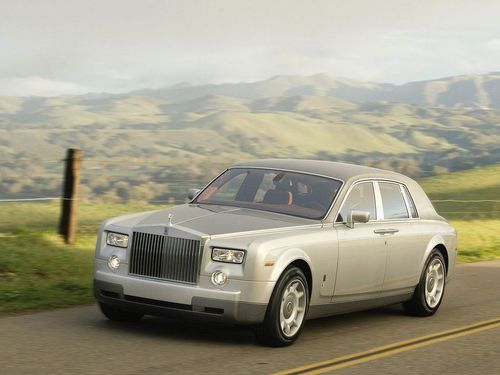 来自劳斯莱斯汽车的幻影车型简介高清图片