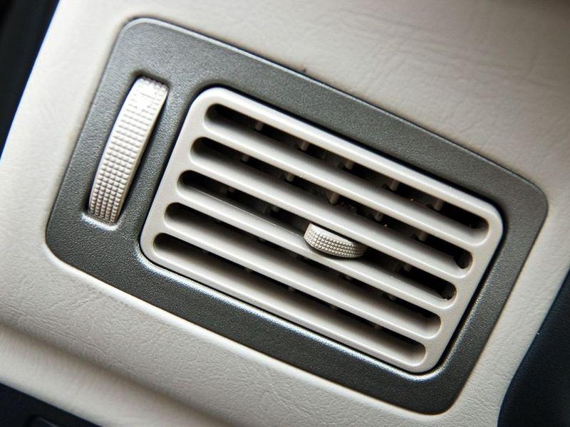 奇瑞汽车 旗云 1.3舒适型中控方向盘1228246高清图片