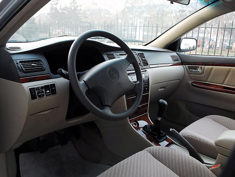 吉利汽车 吉利 远景 1.8 标准型中控方向盘1242500高清图片