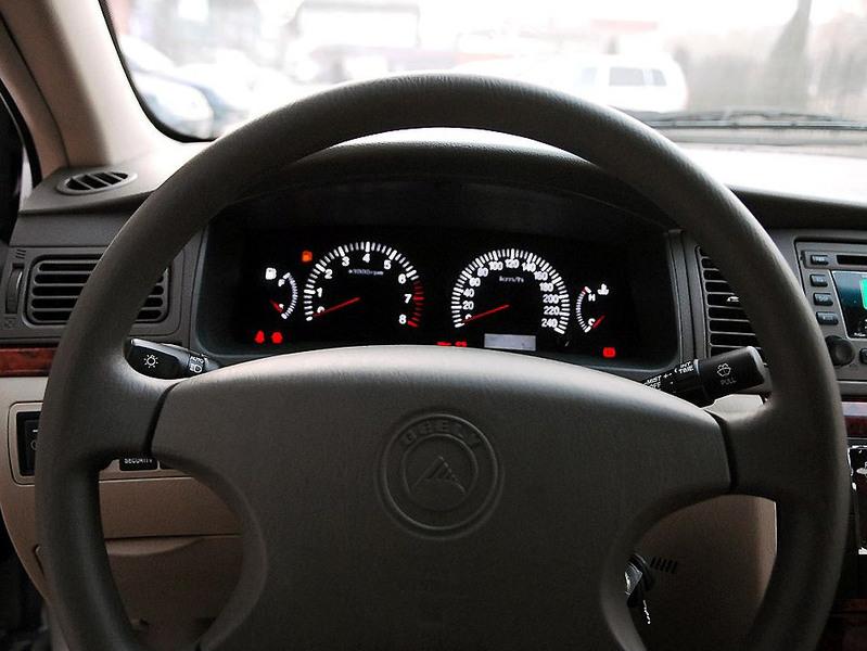 吉利汽车 吉利 远景 1.8 标准型中控方向盘1242504高清图片