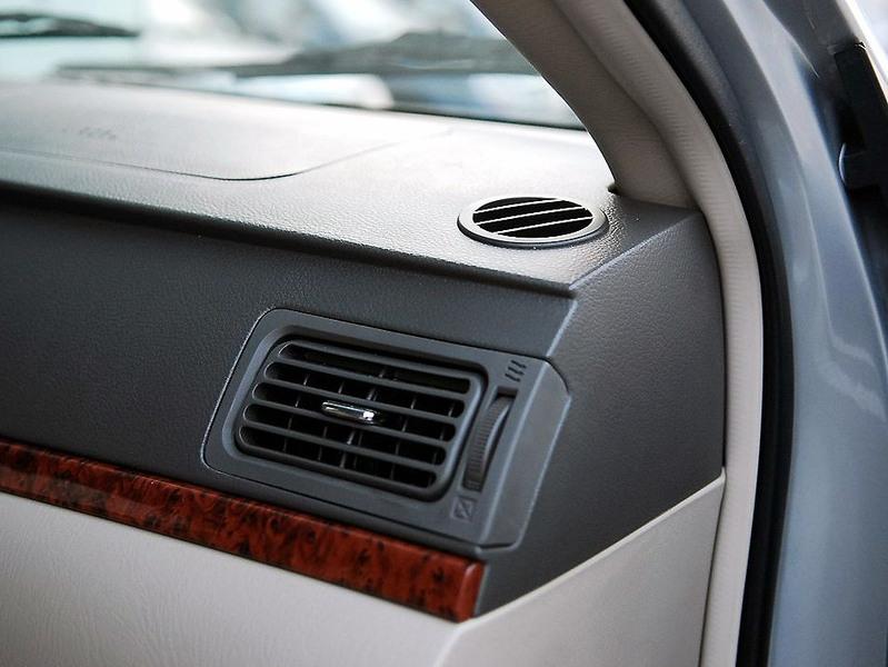 吉利汽车 吉利 远景 1.8 标准型中控方向盘1242512高清图片