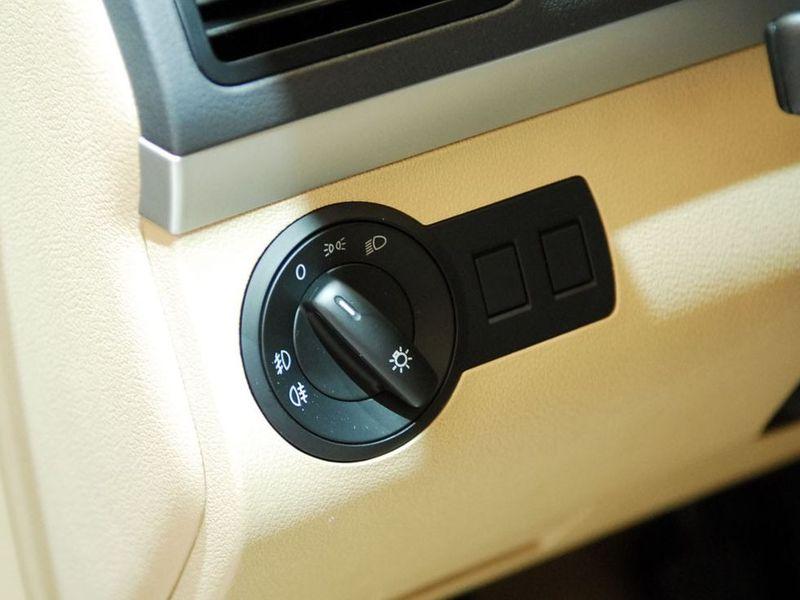 上海大众 途安2.0l 5座手动舒适中控方向盘1248609高清图片