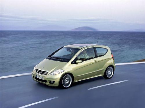 奔驰A级F-Cell氢燃料电池车参加必比登