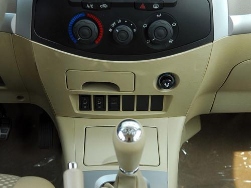 搭载全新AT变速箱 奇瑞瑞虎3新车型上市