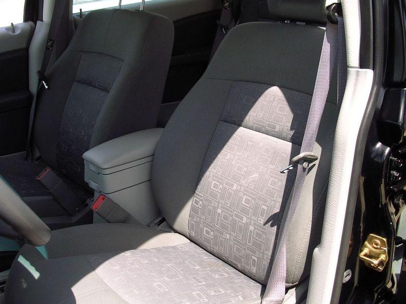 克莱斯勒 克莱斯勒 pt 漫步者2.4车厢座椅1360427高清图片