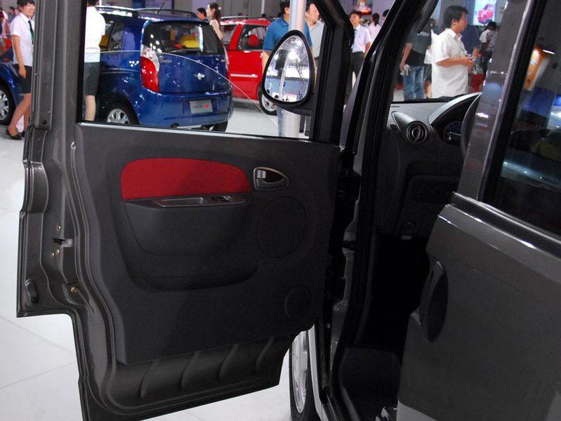奇瑞汽车 瑞麒2 1.3 舒适型车厢座椅1389462 高清图片