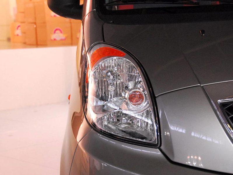 奇瑞汽车 瑞麒2 1.3 舒适型中控方向盘1389512 高清图片