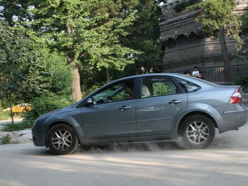 找到共鸣:老司机用油门 新司机用刹车