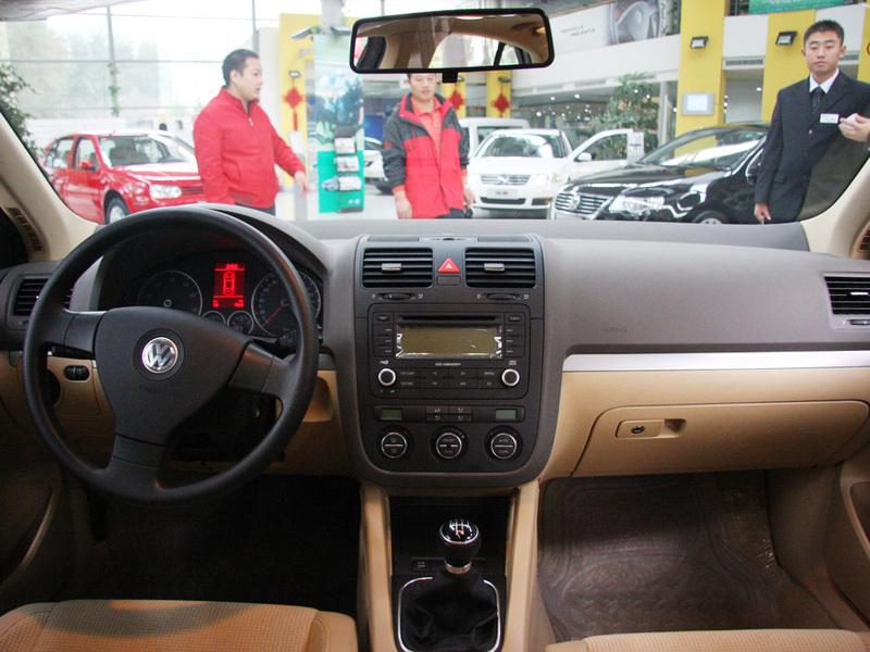 汽车图片 大众 一汽-大众 速腾 > 中控方向盘  可以用键盘的←或