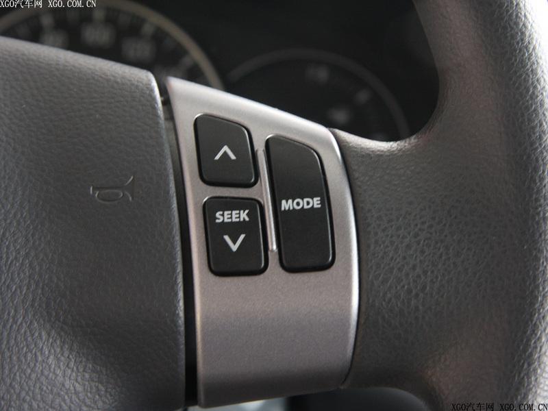 长安铃木 天语SX4 两厢 1.6L运动型 AT中控方向盘1479486高清图片