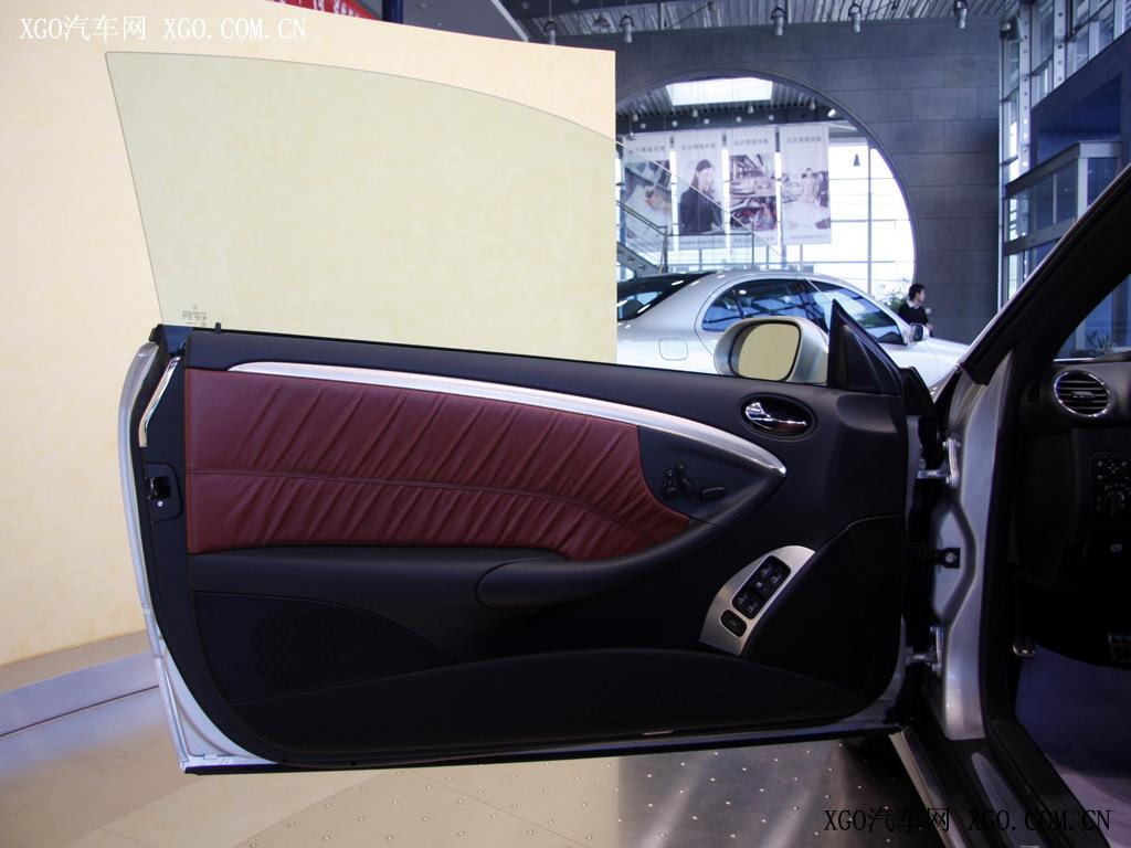 奔驰 奔驰clk clk280 敞篷跑车车厢座椅1523774高清图片