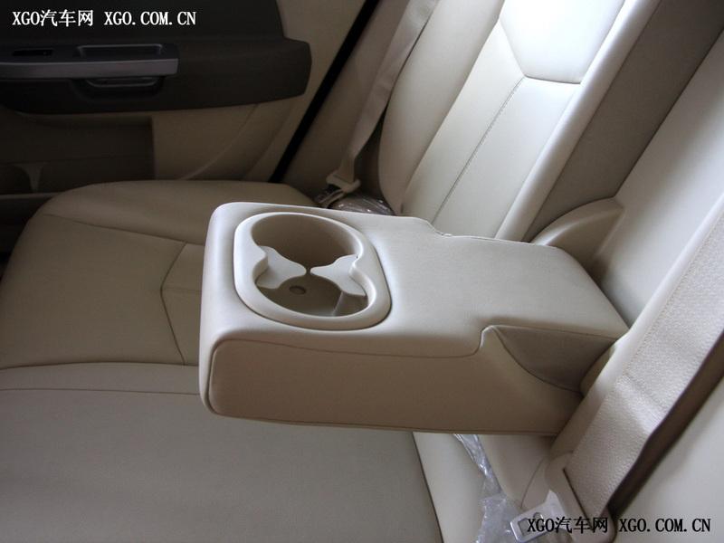 北京克莱斯勒 铂锐 2.4L 豪华型车厢座椅1719410