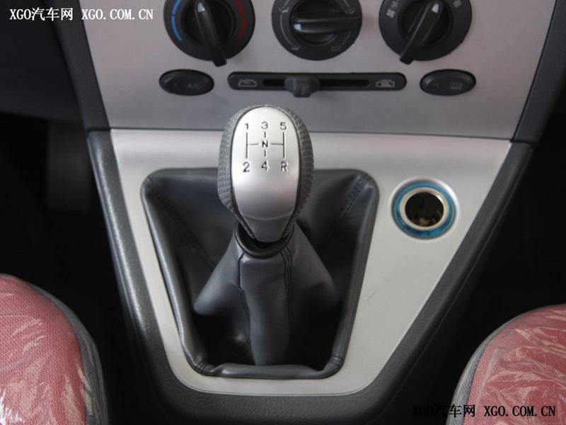 奇瑞汽车 瑞麒2 1.3 标准型中控方向盘2020142 高清图片