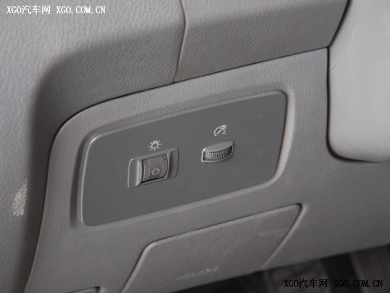 奇瑞汽车 瑞麒2 1.3 标准型中控方向盘2020159 高清图片