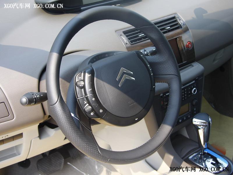 汽车图片 雪铁龙 东风雪铁龙 世嘉 > 中控方向盘  可以用键盘的←或