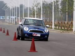 运动与个性的经典!点评MINI Cooper S