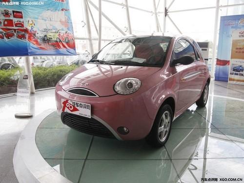 主打对称美学的小车 QQme累计降价8000元
